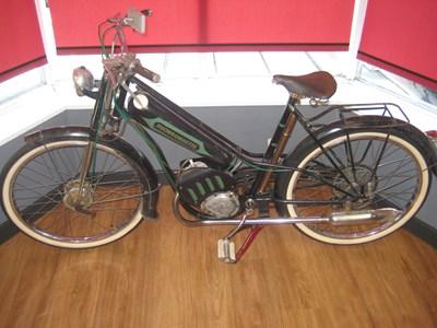 Lot 101 - 1950s Rhonson Rhonsonnette Cyclemotor
